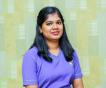 Dr. R. Priyanka of the top dental clinic in coimbatore